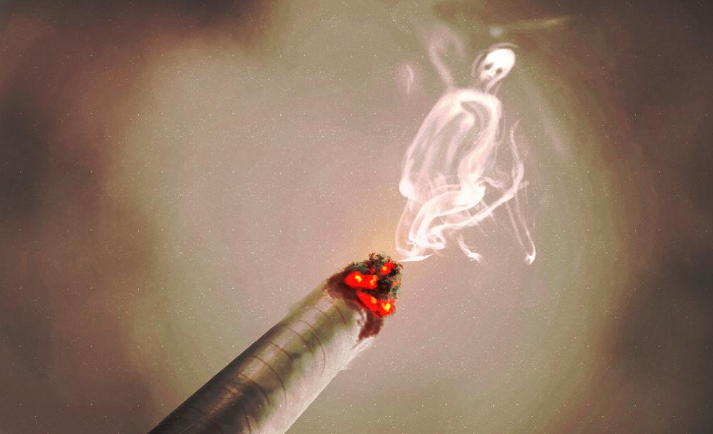 Лёгкая струйка тумана или дыма в неверном свете уличных фонарей становится призраком; яркие огни завода, увиденные сквозь смог ночью, превращаются в НЛО.
